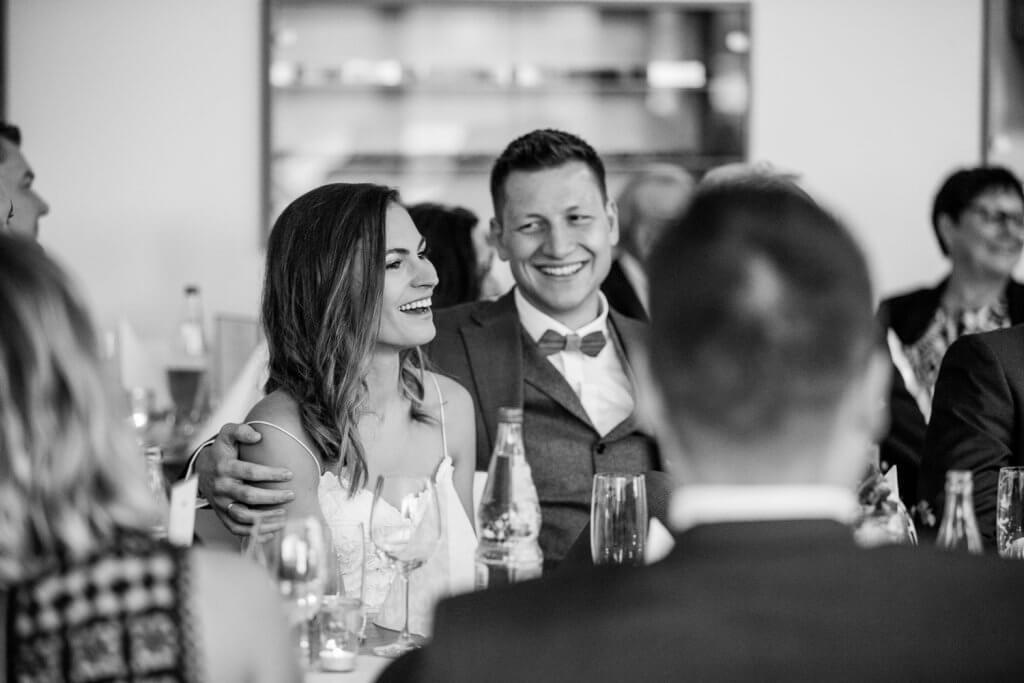 Hochzeitsshooting, Hochzeitsfotografie, Paarshooting, Hochzeitsfotograf Stuttgart, Hochzeit Schloss Solitude, Hochzeitsfotograf Ludwigsburg, Hochzeitsfotograf Filderstadt, Hochzeitsreportage, Hochzeit mit, Hochzeitsreportage, kirchliche Trauung, kirchliche Hochzeit